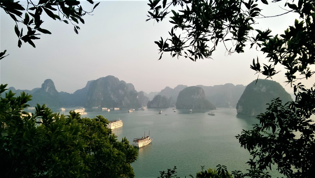 PHOTO DIARY: HA LONG BAY, VIETNAM